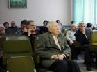 В зале друзья и коллеги юбиляра. У стены - А.А. Шелухина, Е.П. Кузнецов.
