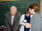 Чаепитие в семинарской комнате. Справа от юбиляра - И.Ю. Павловская и И.А. Крайнева.